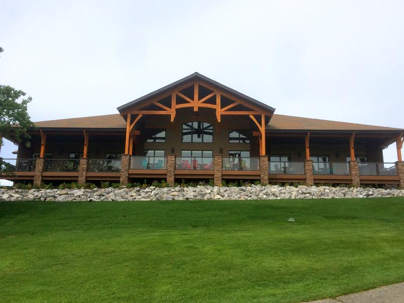 Innisfail Golf Club - Facilities - Clubhouse - Divots Restaurant - Innisfail, Alberta