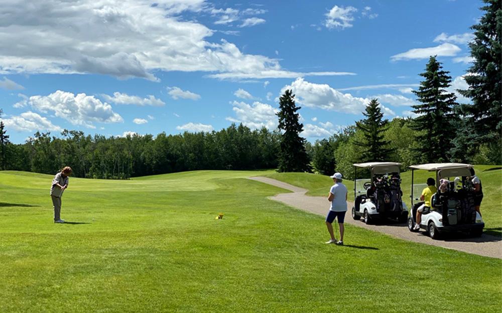 Innisfail Golf Club - Homepage - Memberships Image - Innisfail, Alberta